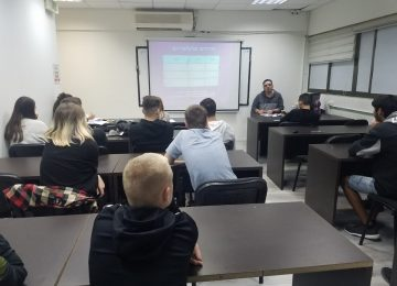 Vocational Training and Guidance: Opening the Smartphone Course 2019-2020